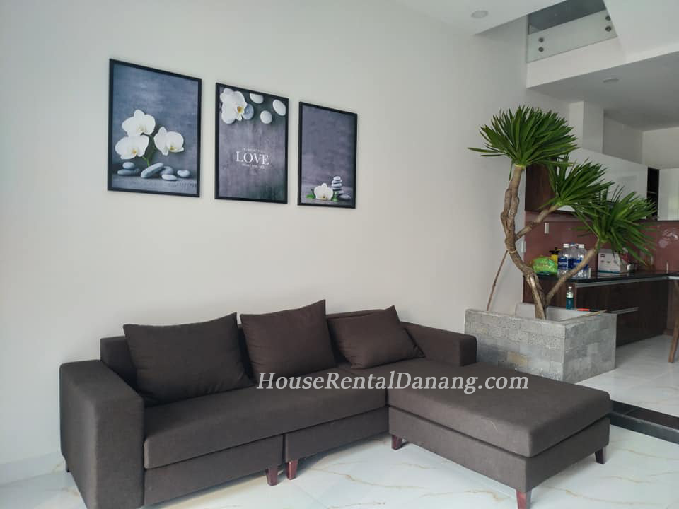 Airy House For Rent In Ngu Hanh Son