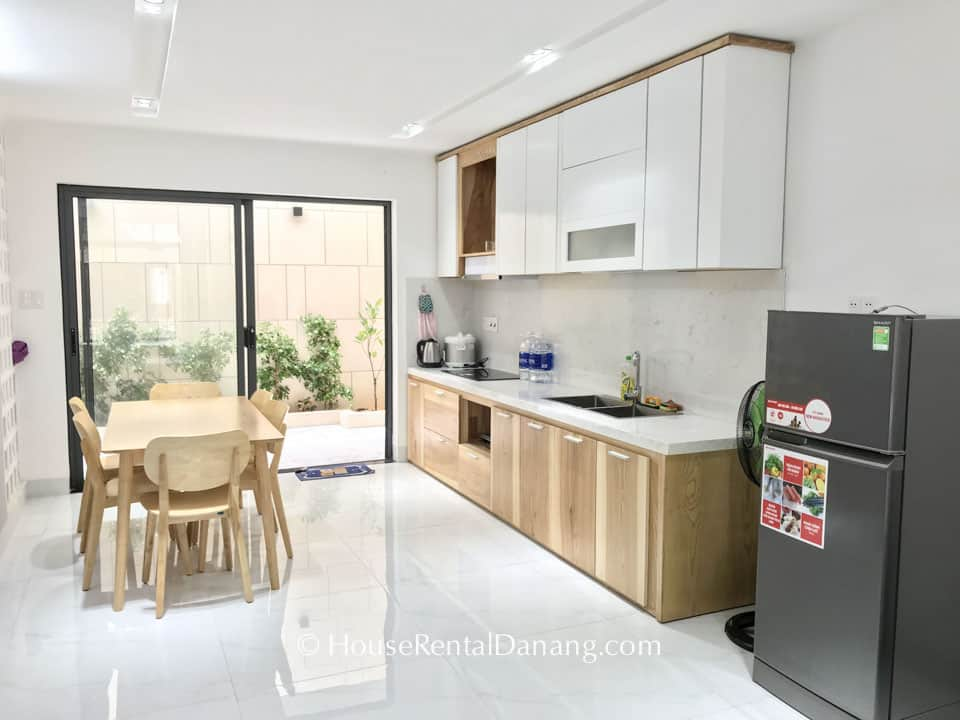 Spacious 4BR House With Garden Near Tien Son Bridge